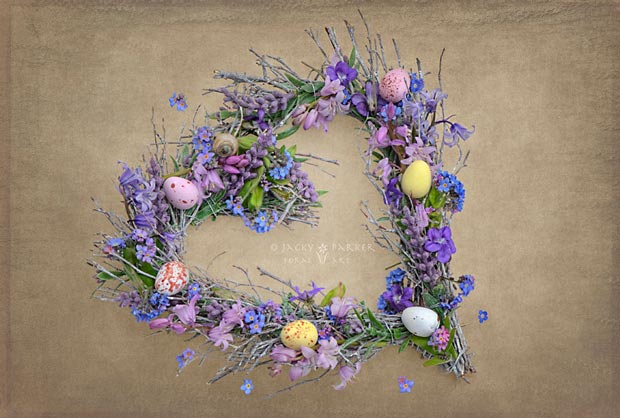 Heart Flower and egg wreath